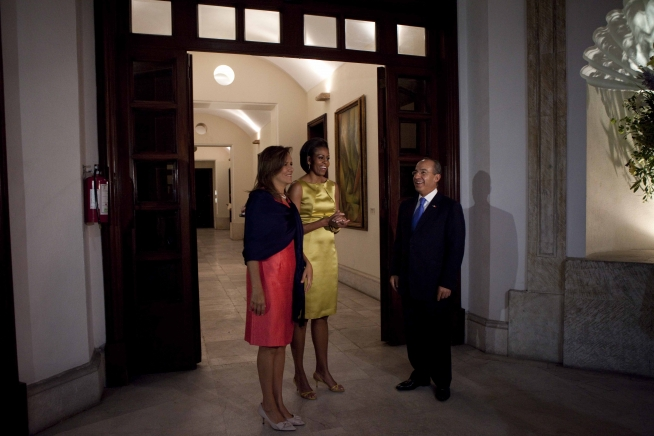 michelle-obama-style-fashion-yellow-silk-evening-cocktail-dress