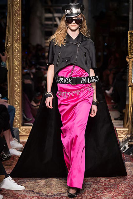 moschino-fall-2016-winter-2017-latest-winter-coats-fashion-show-statement-pink-satin-black-cape-outfit