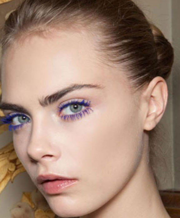 nude-lipsticks-rainbow-lashes-colored-contacts-eyelash-extension