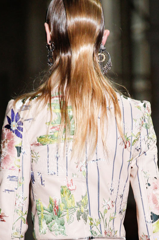 popular-hair-color-ideas-latest-2017-alexander-mcqueen-winter