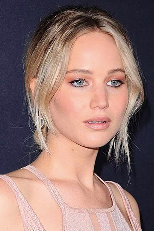popular-hair-colors-jennifer-lawrence-2017-latest-dark-roots