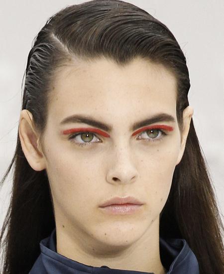 red-eye-shadow-latest-fashion-makeup-looks-salvatore-ferragamo