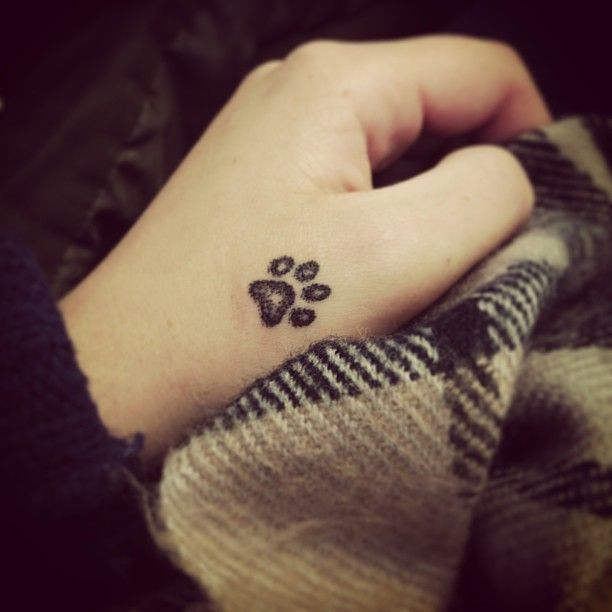 unique-beautiful-tatoo-little-paw-design-fall-winter-2016-2017