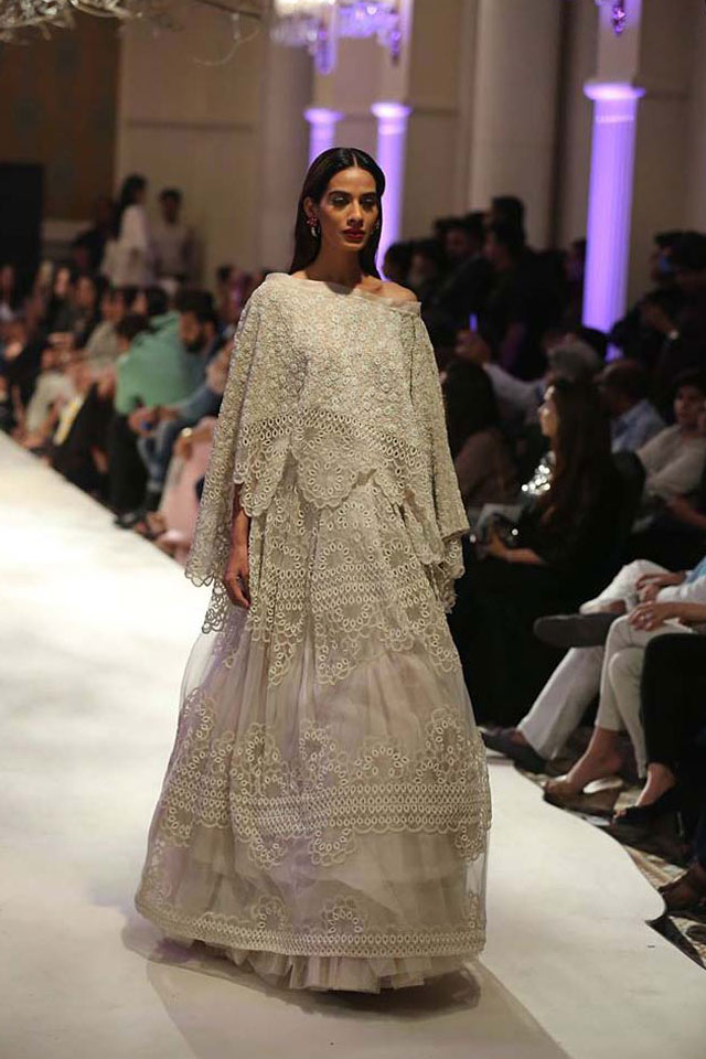 Anamika-Khanna-white-embroidered-cape-latest-lehenga-design-spring-summer-2017