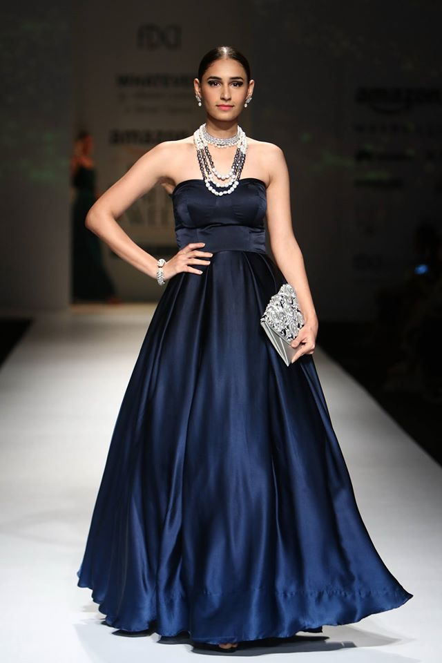 abhishek-kankaria-shruthi-tapuria-navy-designer-indian-gown-empire-waist-saturn-spring-summer-2017