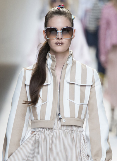 best-hair-trends-spring-summer-2017-pony-style-fendi