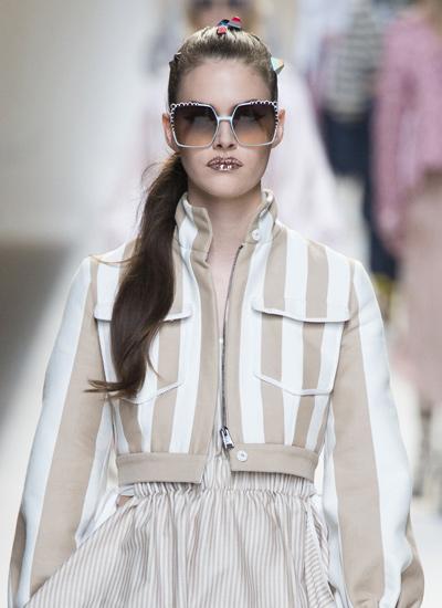 best-hair-trends-spring-summer-2017-pony-style-fendi
