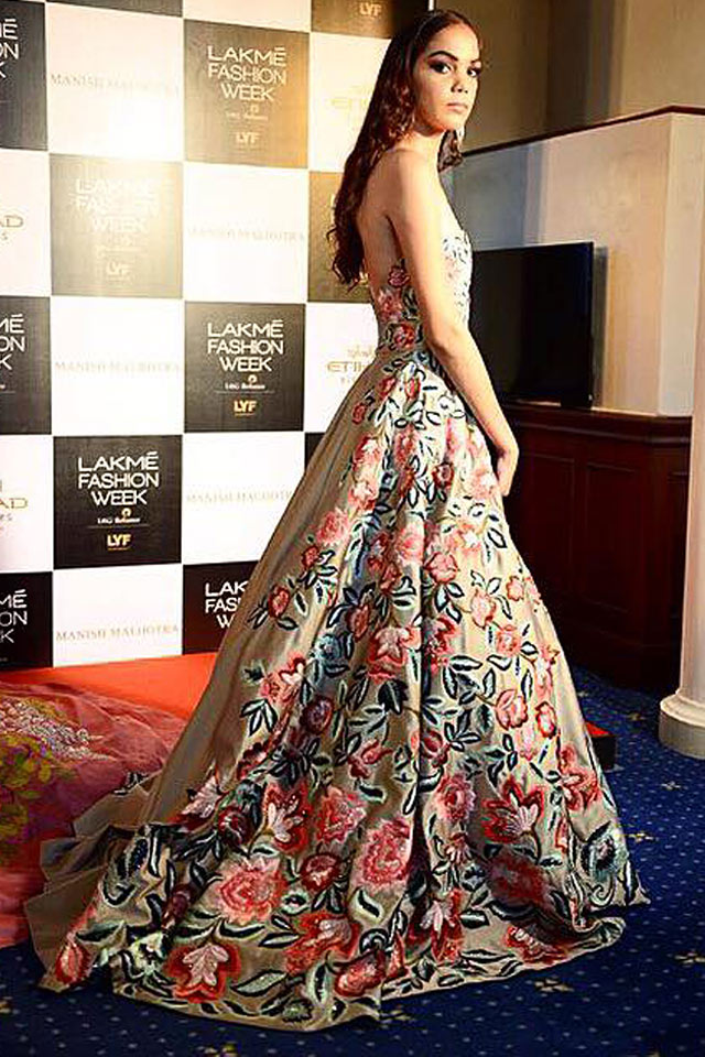 Best Indian Style Gowns Fl Long Trail Manish