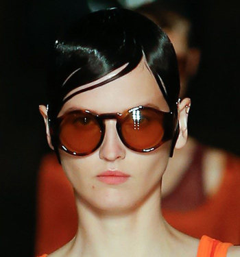 best-shades-for-women-sunglasses-trends-ss17-givenchy-berry-runway