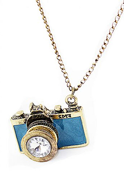 camera-shaped-pendent-sets-statement-jewelry-object-inspired-shopping