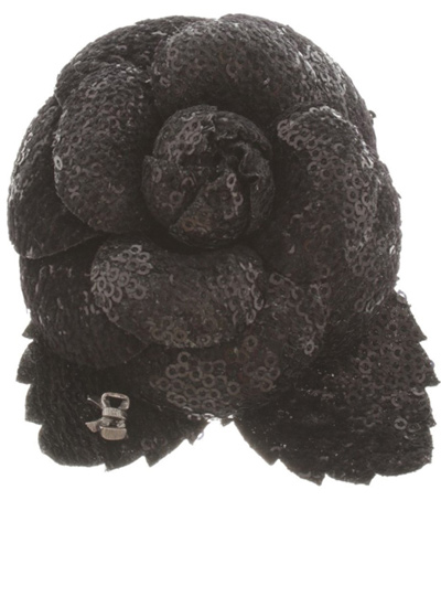chanel-flower-shaped-brooch-laest-black-novelty-jewelry-nature-inspired