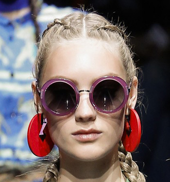 emporio-armani-purple-frames-round-sunglasses-trends-runway-fashion-ss17