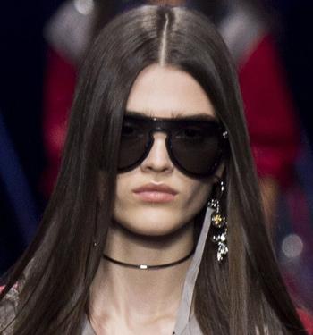 fashion-sunglasses-for-women-trends-2017-summer-versace-black-lens