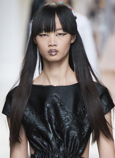 fringed-hair-fendi-bangs-upcoming-hair-trends-spring-summer-2017