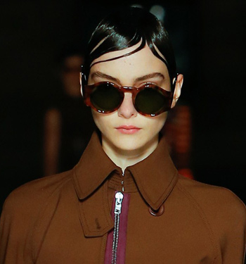 givenchy-black-lens-brown-frame-runway-trends-sunglasses-spring-summer-2017