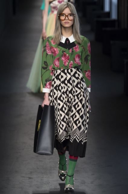 gucci-fall-winter-ready-to-wear-2016-floral-print-trend-blouse-1