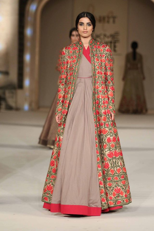 top 11 trends in designer indian gowns for 2017