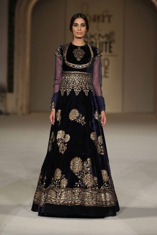 indian-style-design-full-sleeves-rohit-bal-velvet-spring-summer-2017