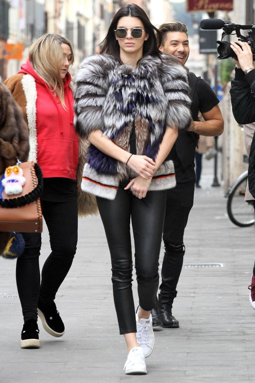 kendall-jenner-fur-jacket-casual-look-ankle-length-leggings-sneakers-outfit