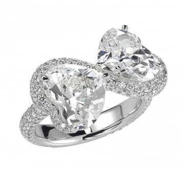 latest-designer-engagement-ring-chopard-two-heart-shaped-diamond-ring-spring-summer-2017