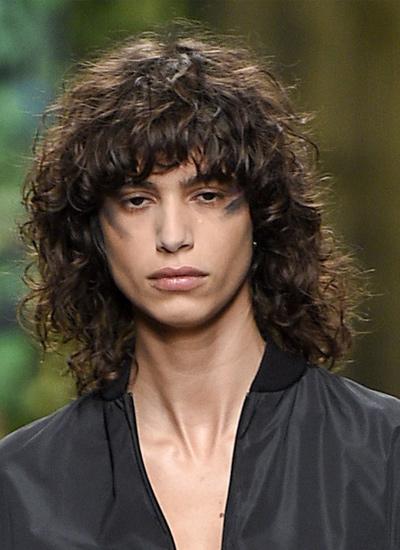 max-mara-curly-spring-summer-2017-latest-hair-styles-fashion