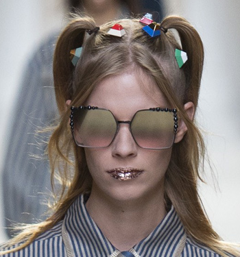 mirror-ombre-trend-runway-spring-summer-2017-fendi-sunglasses-women