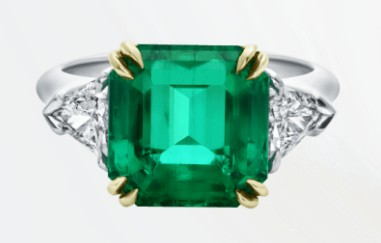 popular-engagement-ring-styles-harry-winston-emerald-cut-ring-ss17