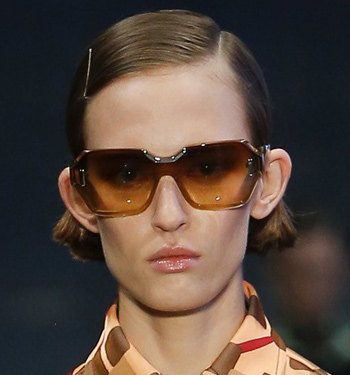 prada-sunglasses-trends-runway-fashion-spring-summer-2017-ombre-oversized-glasses