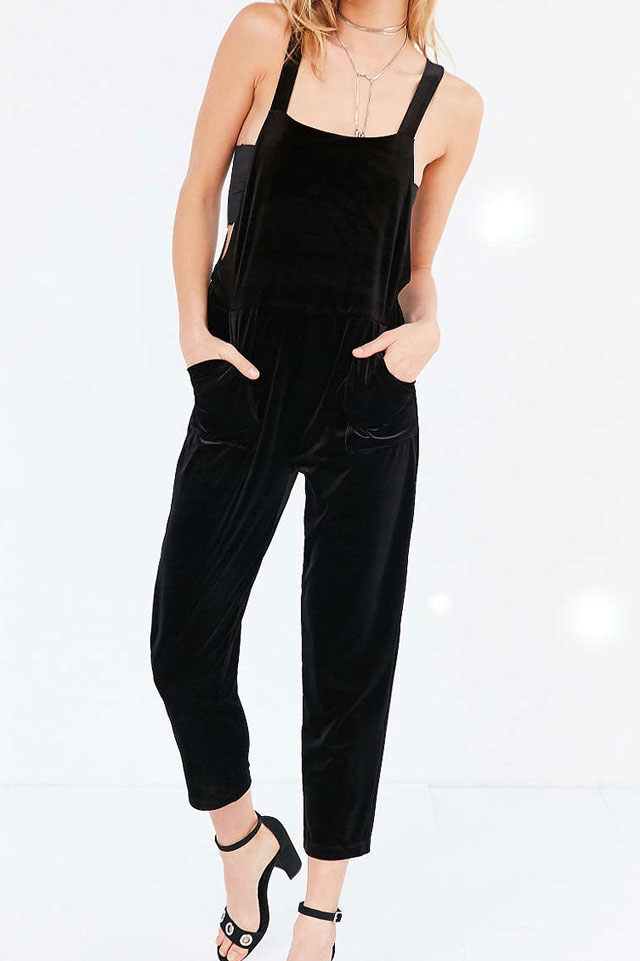 pull-over-jumpsuit-velvet-urban-outfitters-fall-winter-trend