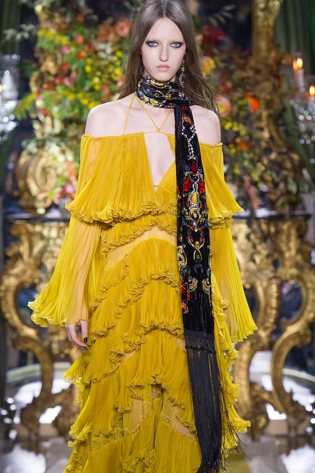scarfs-velvet-fashion-trend-embellished-accent-roberto-cavalli-fall-winter-runwy-2016-17