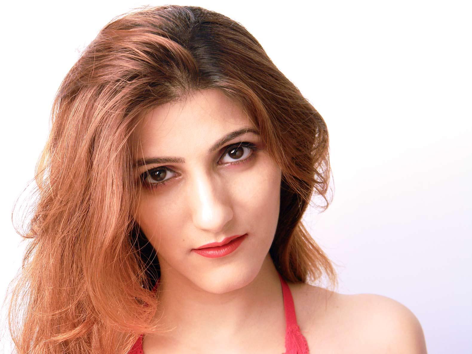 shilpa-ahuja-indian-fashion-blogger-date-night-makeup-red