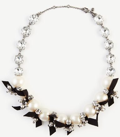 statement-pearl-necklace-gifts-for-christmas-women-online-shopping