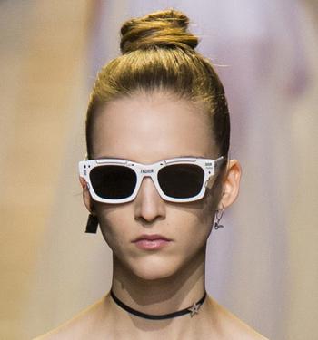 sunglasses-in-fashion-women-spring-summer-2017-contrasting-frames-dior-white-frames