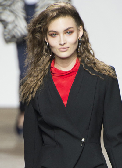 Wondrous 13 Sensational Runway Hair Trends For Spring Summer 2017 Hairstyle Inspiration Daily Dogsangcom