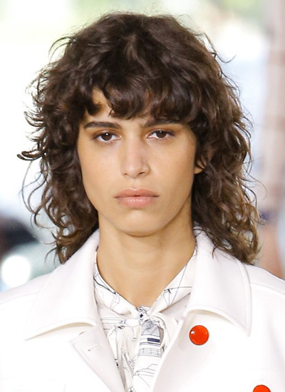 tory-burch-runway-hair-trends-spring-summer-2017-curly-hairstyles