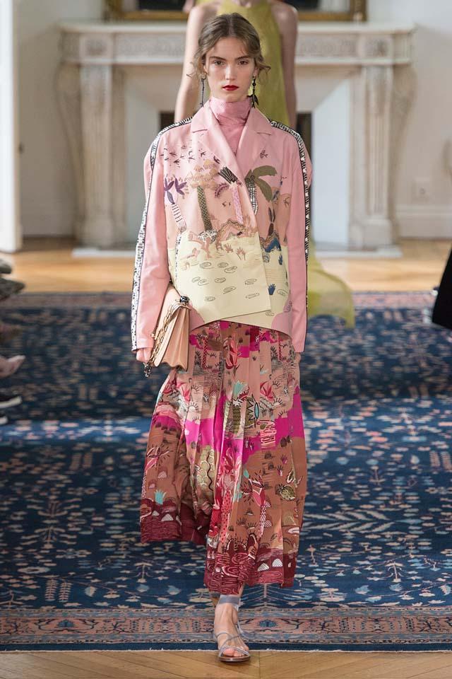 valentino-pink-nature-art-printer-jacket-skirt-sling-bag-runway-look-fashion-week-ss17