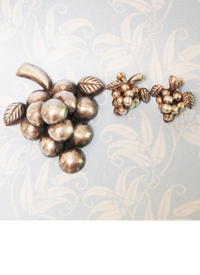 vintage-mexican-silver-grape-cluster-brooch-earrings-set-novelty-earrings