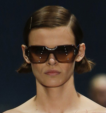 womens-sunglasses-fashion-spring-summer-2017-prada-rectangular-frames