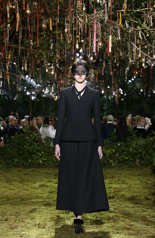 Dior-Haute-Couture-SS17-Look-2-fashion-show-collection-black-skirt-buttonless-shirt-full-sleeved