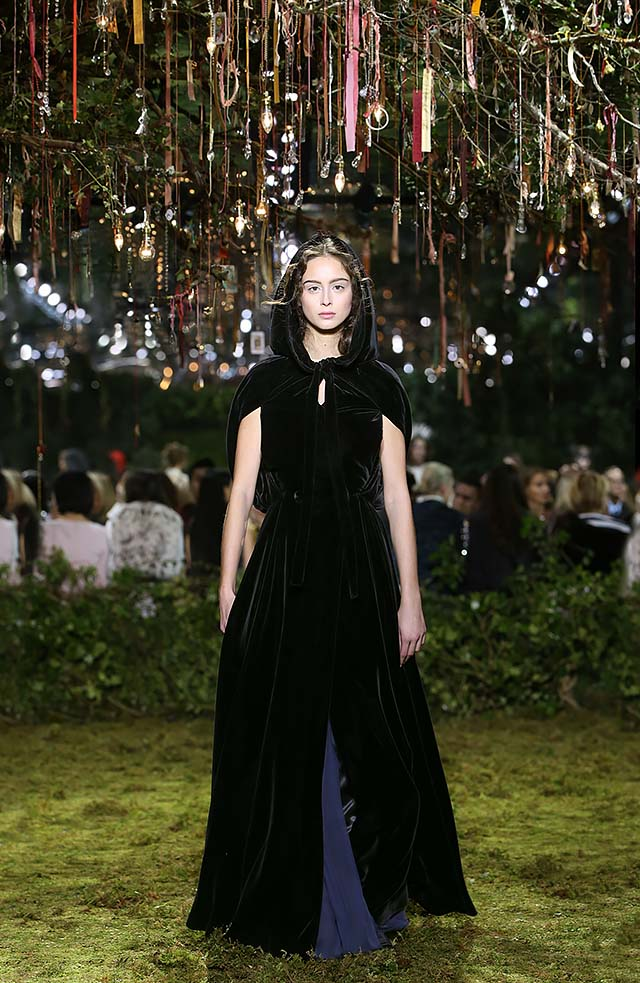 Dior-Haute-Couture-SS17-Look-23-cape-style-velvet-dress-spring-summer-2017