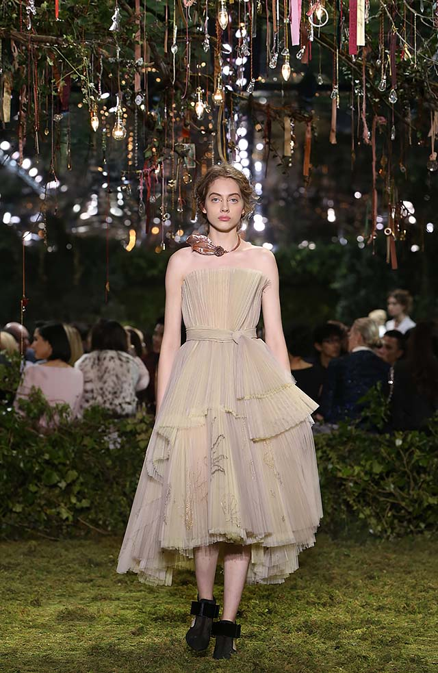Dior-Haute-Couture-SS17-Look-27-spring-summer-2017-ankle-length-dress-choker