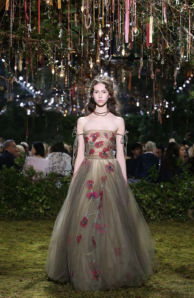 Dior-Haute-Couture-SS17-Look-28-spring-summer-2017-floral-dress-choker