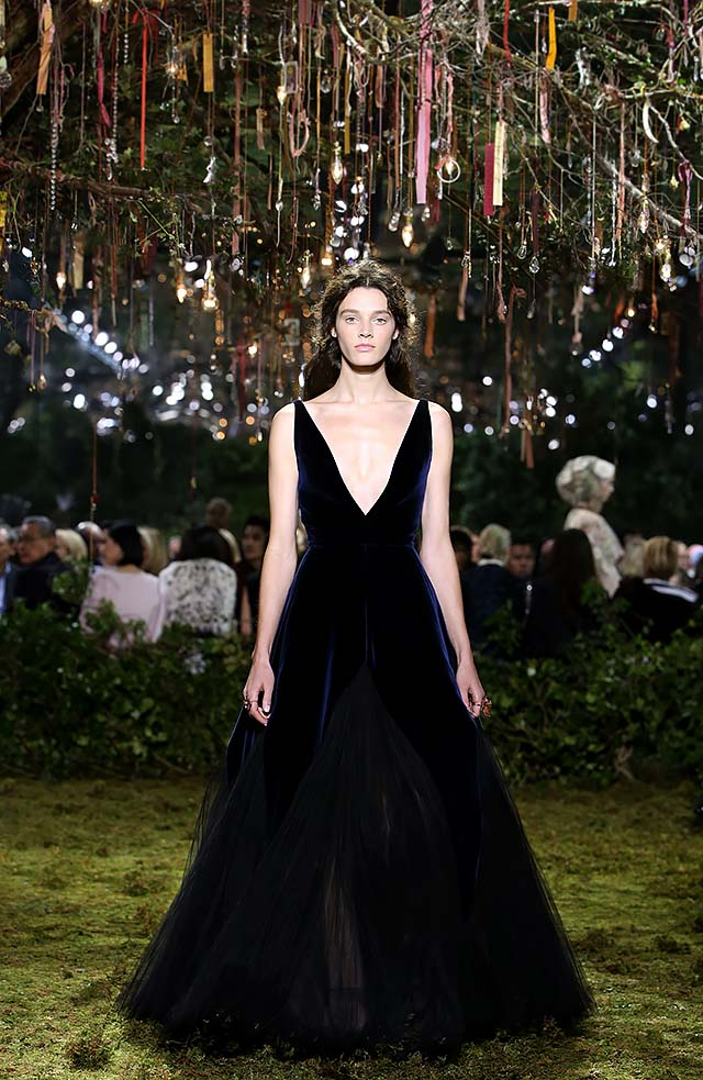 Dior-Haute-Couture-SS17-Look-43-velvet-long-gown-plunged-v-neckline-sleeveless-latest-collection