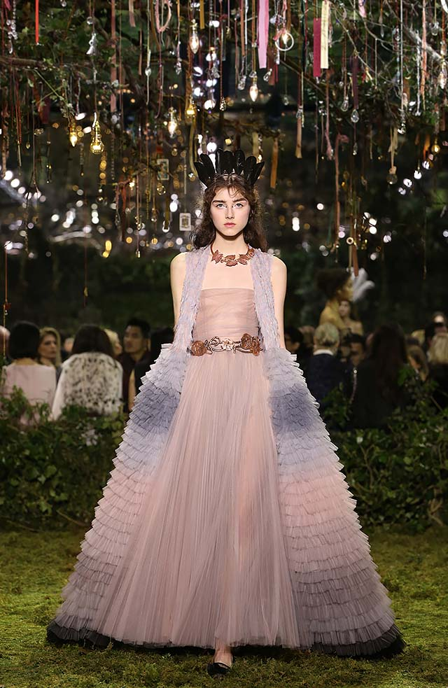 Dior-haute-Couture-SS17-look-52-peach-long-gown-ruffles-brown-necklace-statement-belt