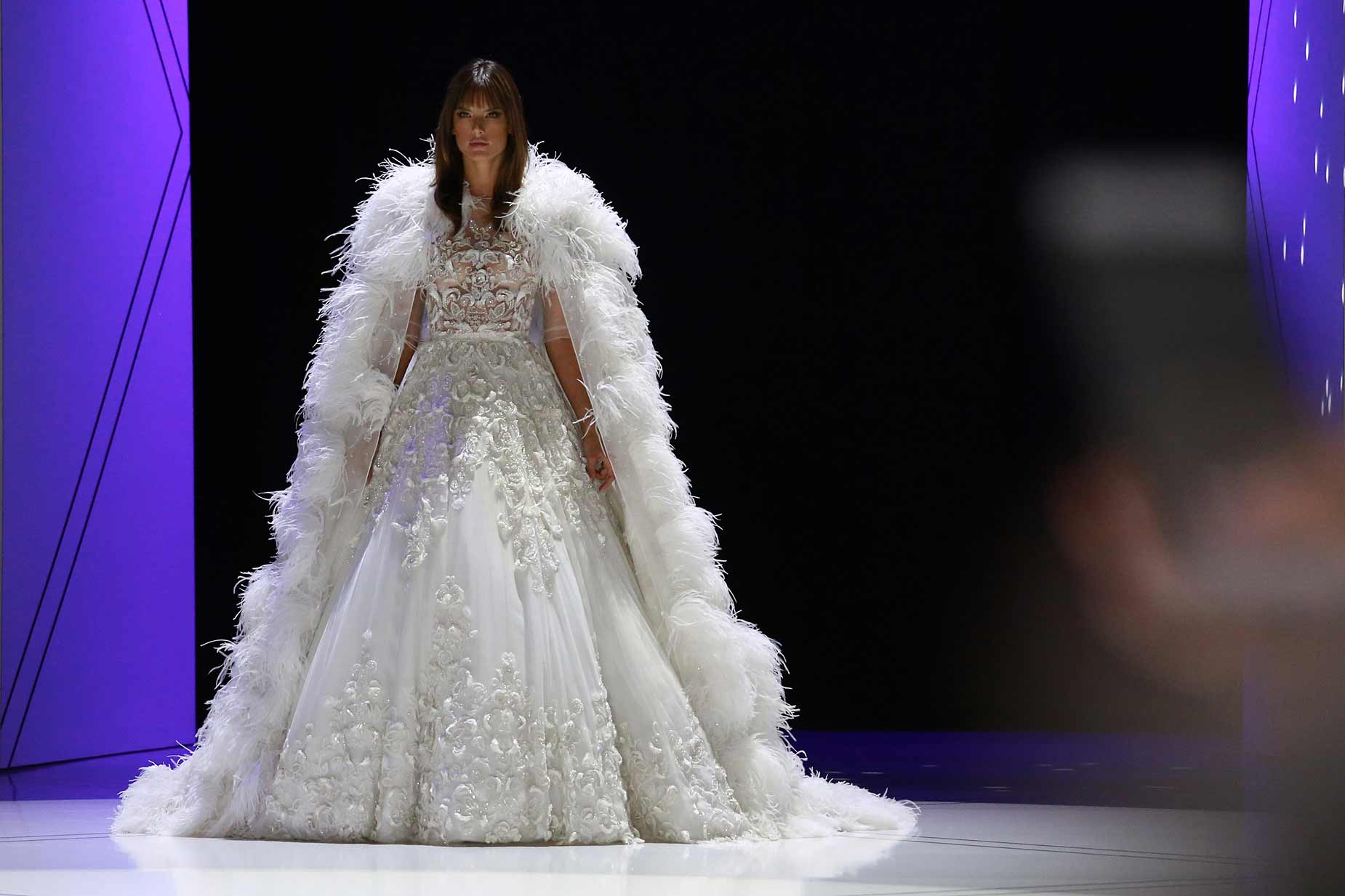 Ralph-&-Russo-SS17-spring-summer-2017-bridal-gown-alessandra-ambrosio
