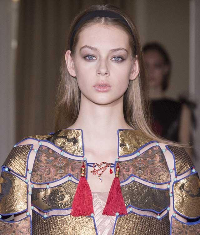 Schiaparelli_SS17_makeup-detail-spring-summer-2017-couture (1)