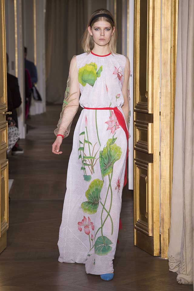 Schiaparelli_SS17_spring-summer-2017-couture (17)-lotus-pattern-white-gown-dress