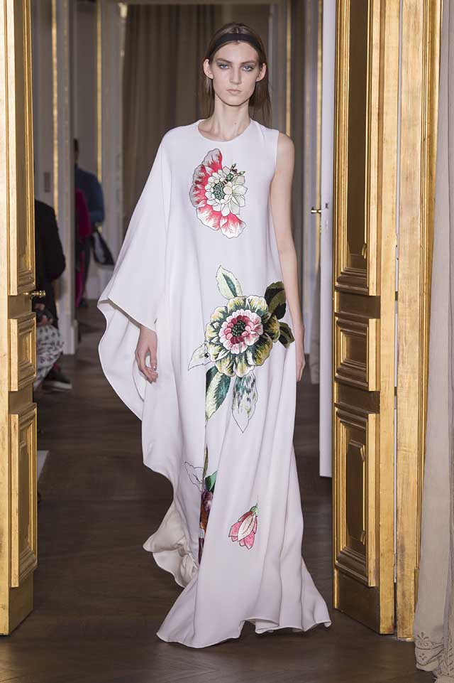 Schiaparelli_SS17_spring-summer-2017-couture (19)-one-sleeve-gown-white-floral