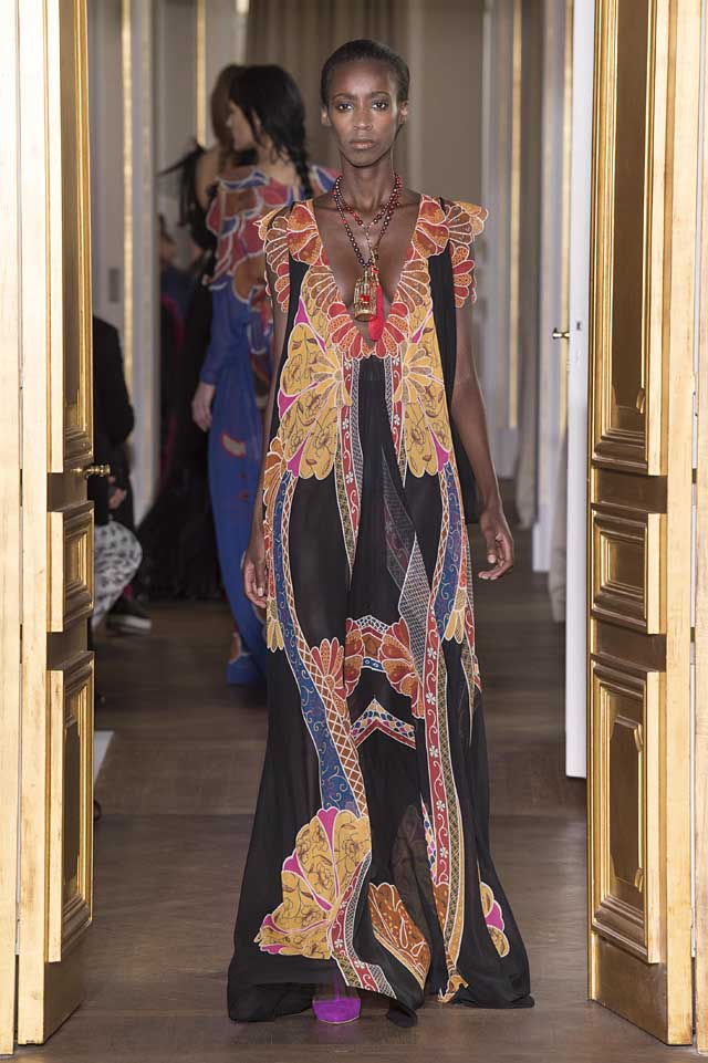 Schiaparelli_SS17_spring-summer-2017-couture (26)-floral-gown-black