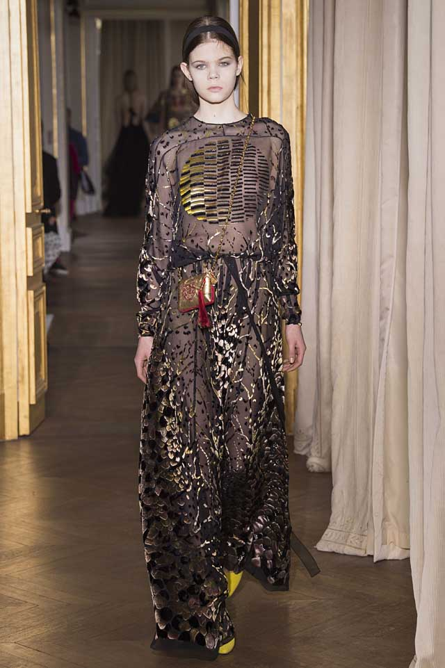 Schiaparelli_SS17_spring-summer-2017-couture (27)-black-gold-gown